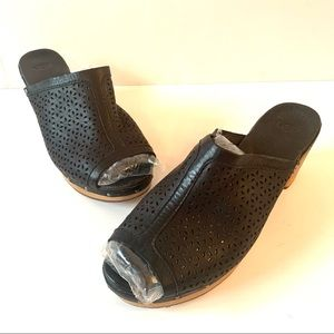 UGG Clogs - Black Filigree Leather - 2 inch Heel